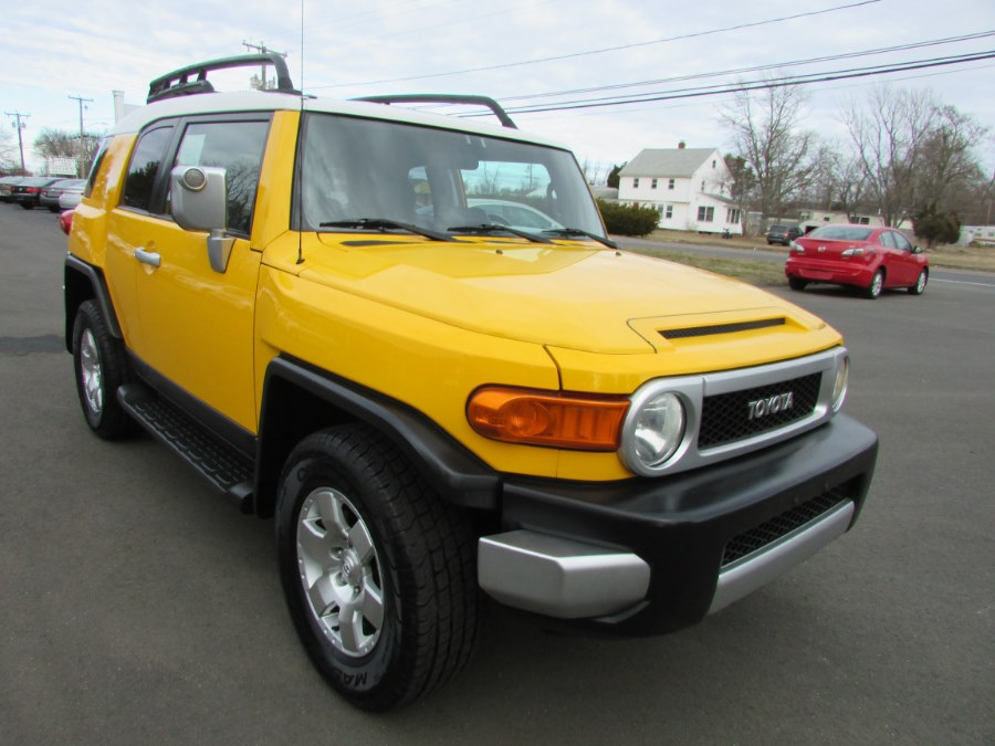 Used Toyota FJ Cruiser 4WD 4dr Auto (Natl) 2007 | United Auto Sales of E Windsor, Inc. East Windsor, Connecticut