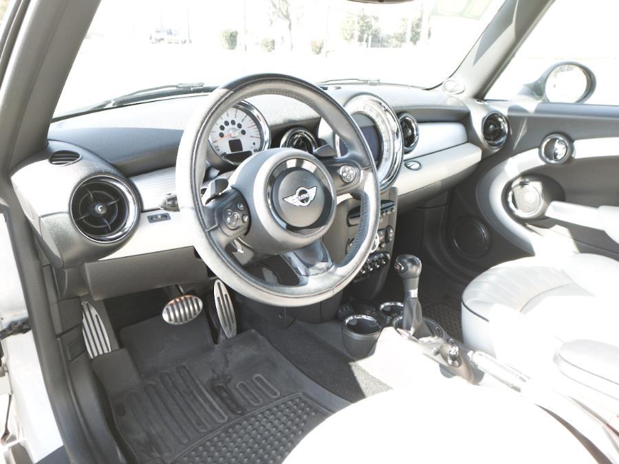 2013 MINI Cooper S photo