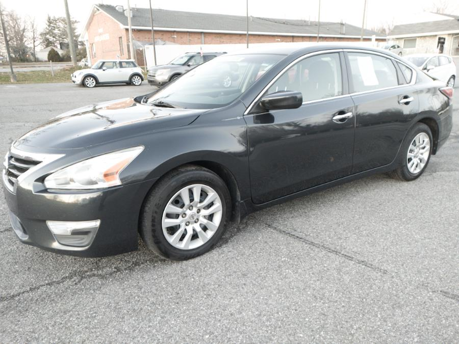 2015 Nissan Altima 4dr Sdn I4 2.5 S photo