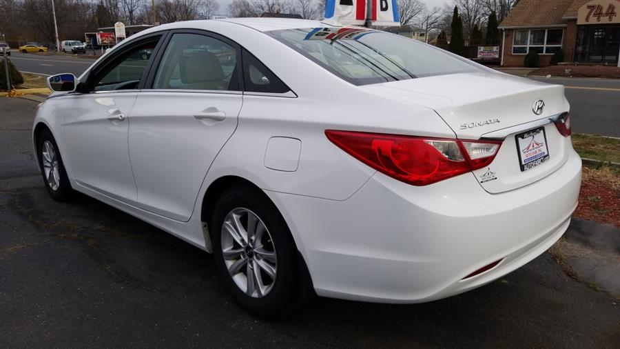 2013 Hyundai Sonata 4dr Sdn 2.4L Auto GLS, available for sale in West Haven, CT