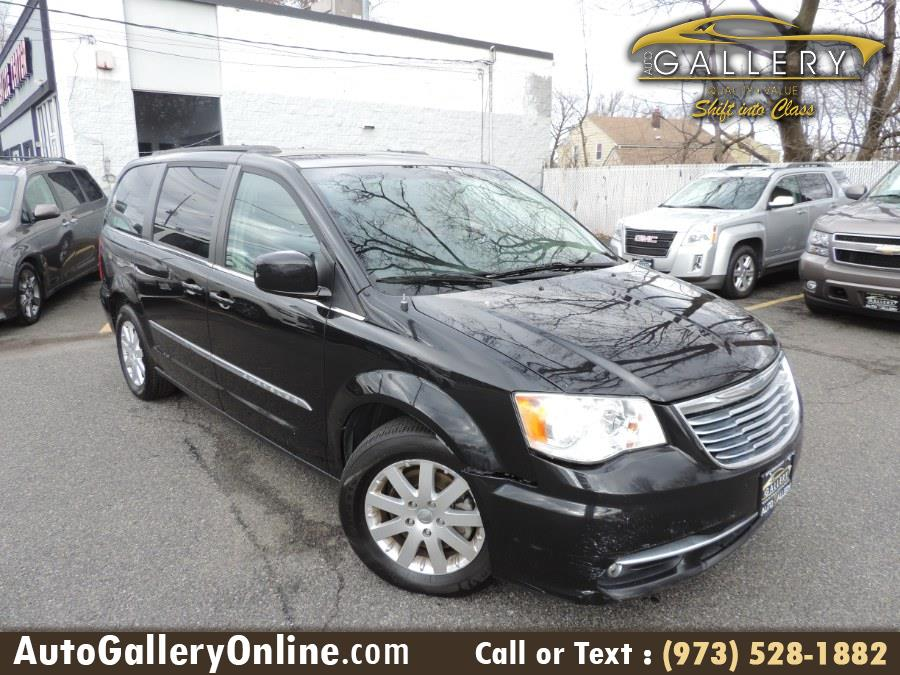 Used 2015 Chrysler Town & Country in Lodi, New Jersey | Auto Gallery. Lodi, New Jersey