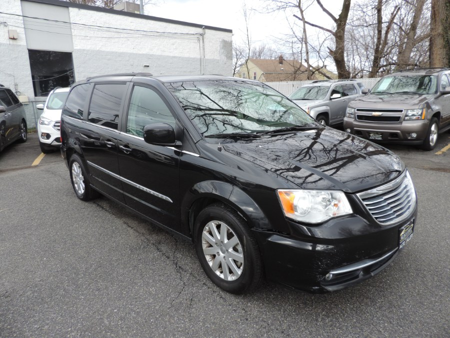Used Chrysler Town & Country 4dr Wgn Touring 2015 | Auto Gallery. Lodi, New Jersey