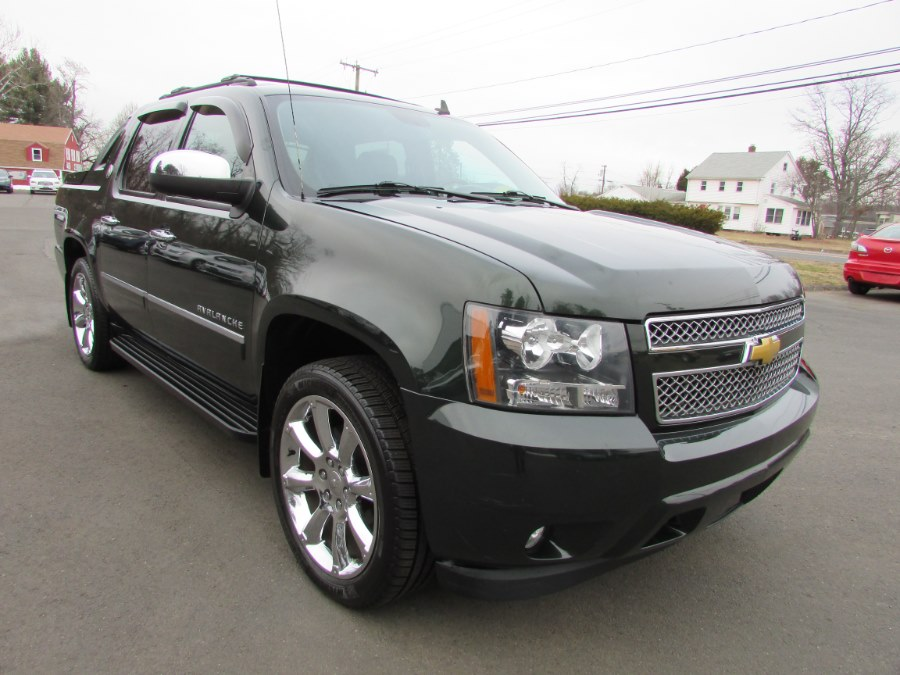 Used Chevrolet Avalanche 4WD Crew Cab LTZ 2013 | United Auto Sales of E Windsor, Inc. East Windsor, Connecticut