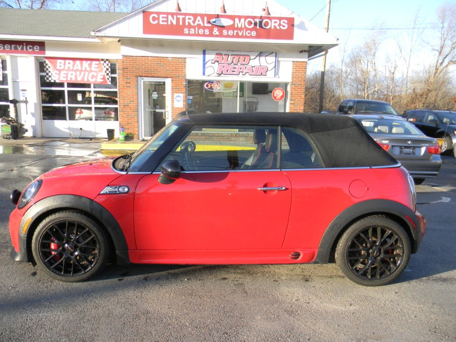 Used 2015 MINI Cooper Convertible in Southborough, Massachusetts | M&M Vehicles Inc dba Central Motors. Southborough, Massachusetts