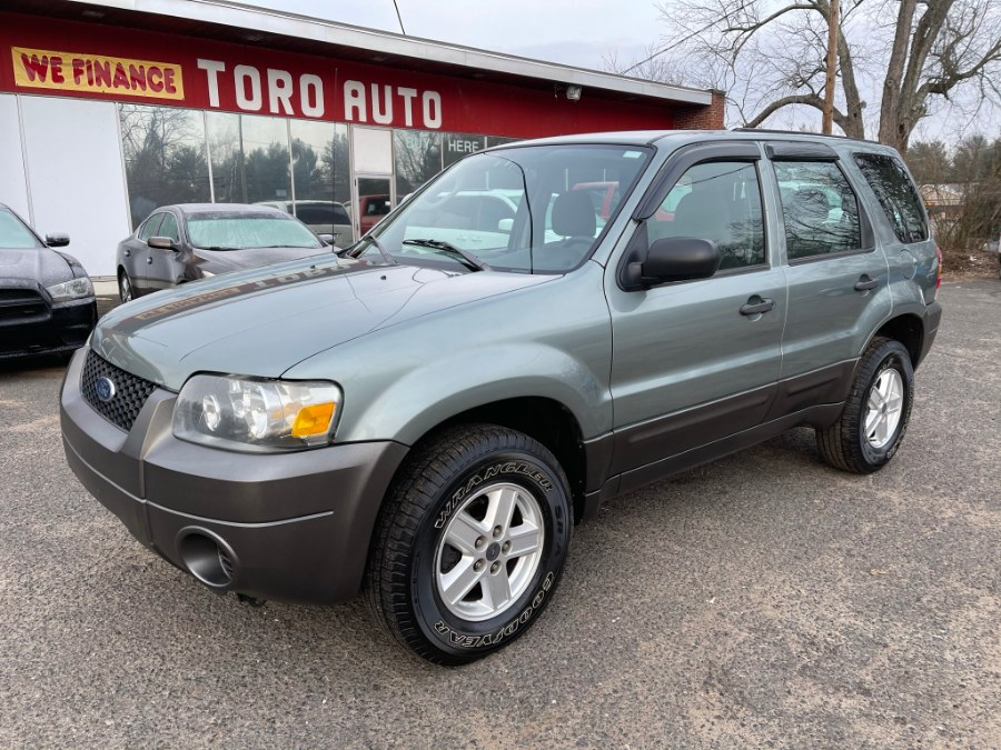2007 Ford Escape 2WD 4dr I4 Auto XLS, available for sale in East Windsor, CT