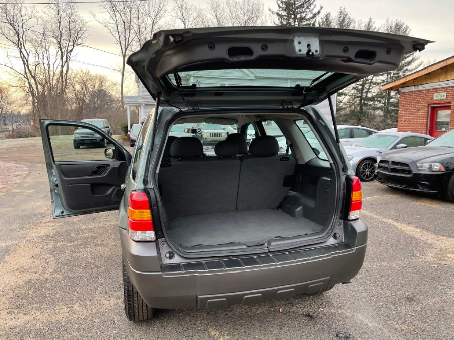 Used Ford Escape 2WD 4dr I4 Auto XLS 2007 | Toro Auto. East Windsor, Connecticut