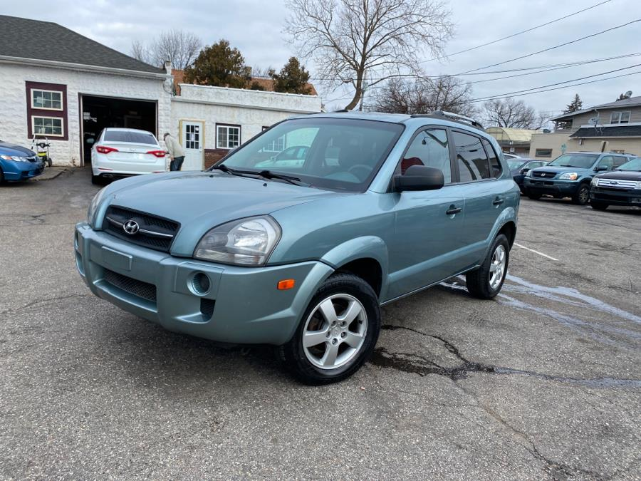 Used 2005 Hyundai Tucson in Springfield, Massachusetts | Absolute Motors Inc. Springfield, Massachusetts