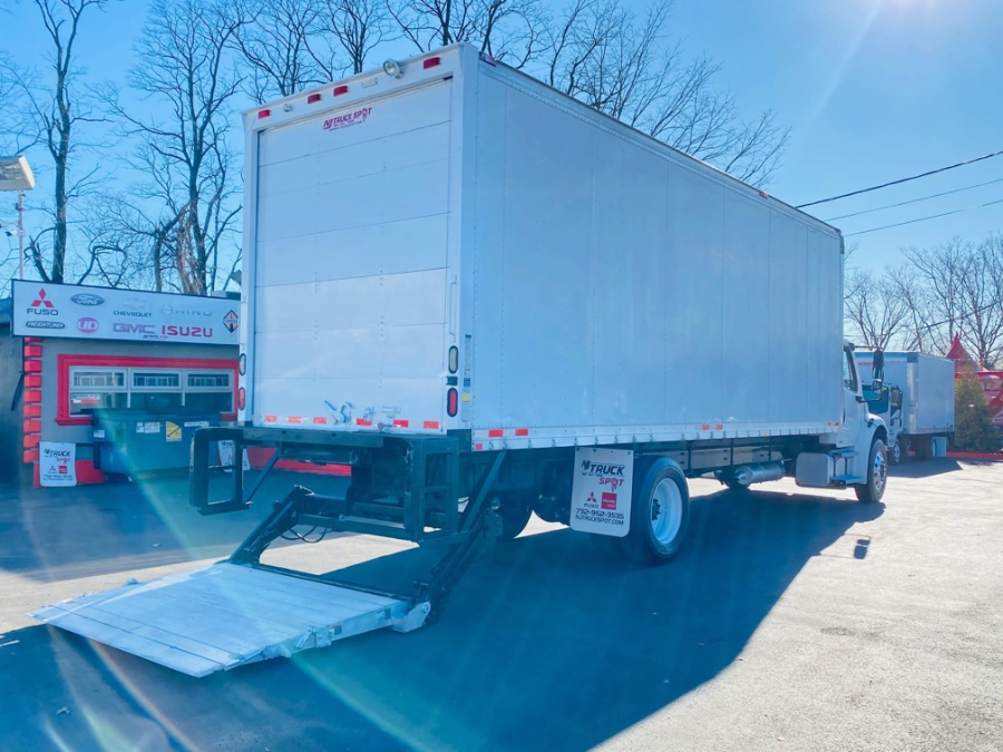 Used Freightliner M2 106 26 FEET DRY BOX + LIFT GATE + NO CDL 2007   NJ Truck Spot. South Amboy, New Jersey
