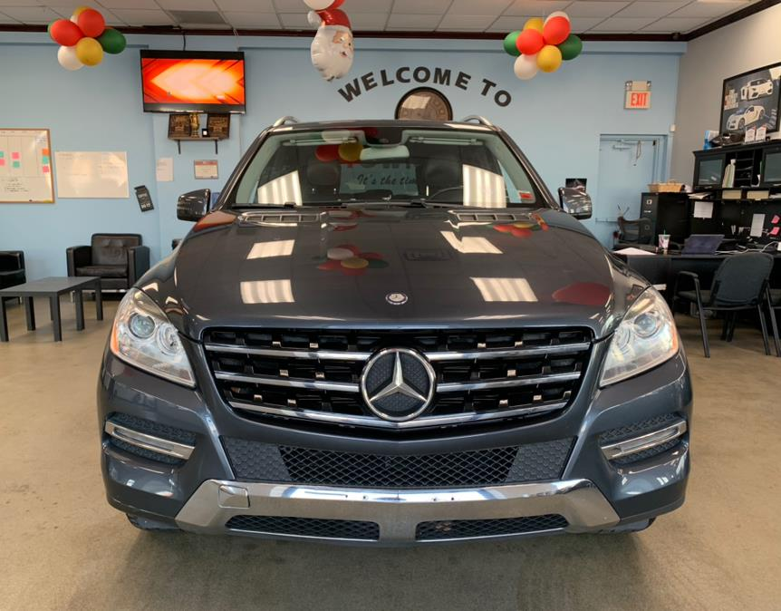 Used Mercedes-Benz M-Class 4MATIC 4dr ML350 2015   5 Towns Drive. Inwood, New York