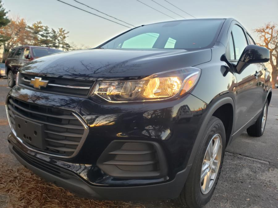 Used 2017 Chevrolet Trax in Hicksville, New York | Ultimate Auto Sales. Hicksville, New York
