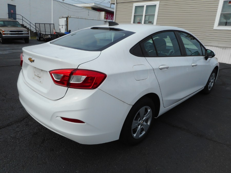 Used Chevrolet Cruze 4dr Sdn 1.4L LS w/1SB 2018 | Integrity Auto Group Inc.. Langhorne, Pennsylvania