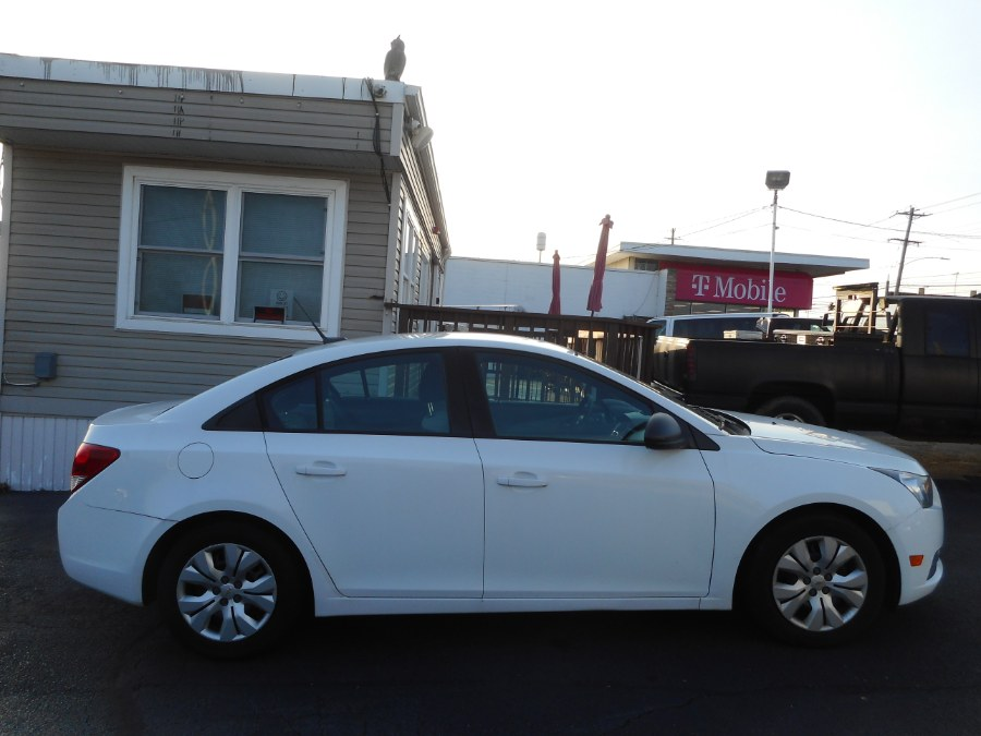 Used Chevrolet Cruze 4dr Sdn Auto LS 2013 | Integrity Auto Group Inc.. Langhorne, Pennsylvania