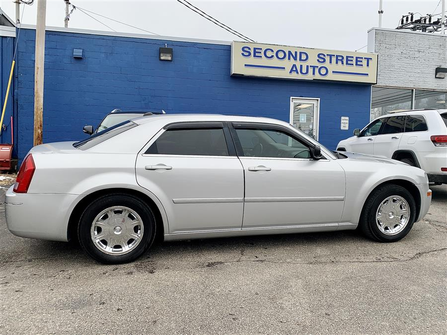 Used 2006 Chrysler 300 in Manchester, New Hampshire | Second Street Auto Sales Inc. Manchester, New Hampshire
