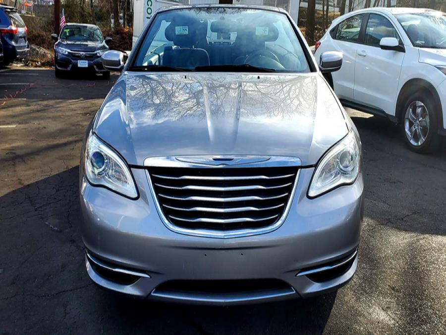 Used Chrysler 200 2dr Conv Touring 2013 | Capital Lease and Finance. Brockton, Massachusetts