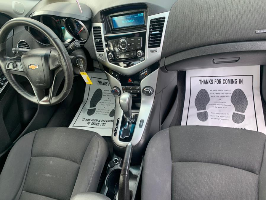 Used Chevrolet Cruze 4dr Sdn LT 2014   Rt 138 Auto Center Inc . Taunton, Massachusetts