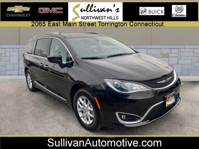 Used 2020 Chrysler Pacifica in Avon, Connecticut | Sullivan Automotive Group. Avon, Connecticut