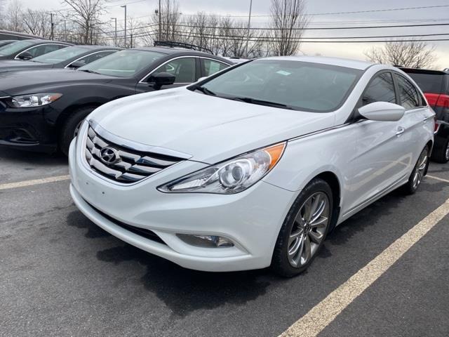 Used Hyundai Sonata SE 2013 | Sullivan Automotive Group. Avon, Connecticut