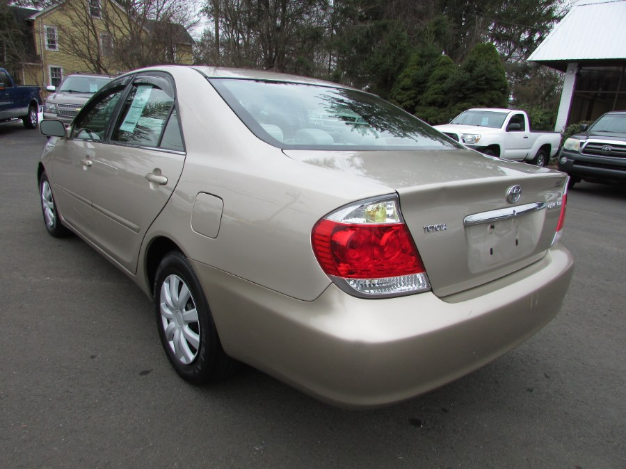 Used Toyota Camry 4dr Sdn LE Auto (Natl) 2005 | United Auto Sales of E Windsor, Inc. East Windsor, Connecticut