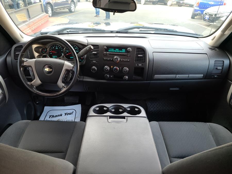 Used Chevrolet Silverado 2500HD 4WD Ext Cab LT 2009 | National Auto Brokers, Inc.. Waterbury, Connecticut