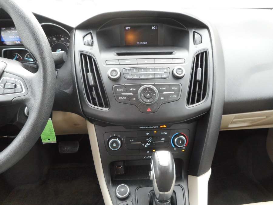 Used Ford Focus 4dr Sdn SE 2015 | Integrity Auto Group Inc.. Langhorne, Pennsylvania