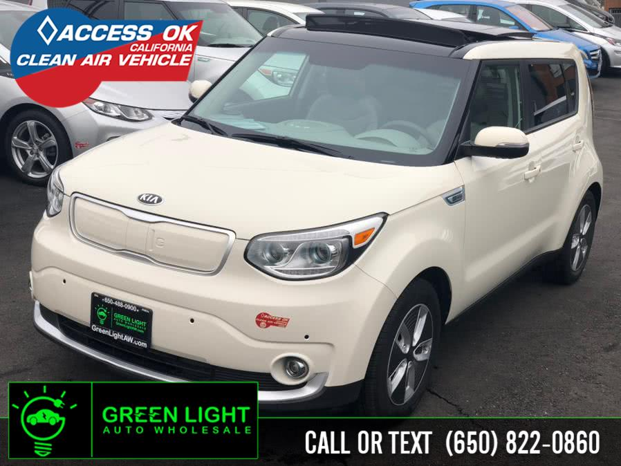 Used 2017 Kia Soul EV in Daly City, California | Green Light Auto Wholesale. Daly City, California