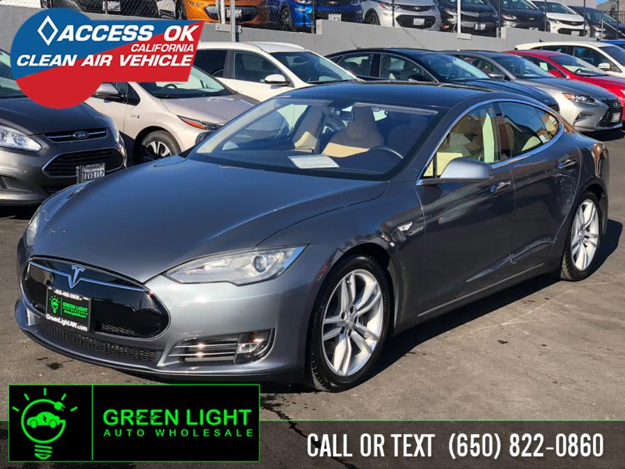 Used 2013 Tesla Model S in Daly City, California | Green Light Auto Wholesale. Daly City, California