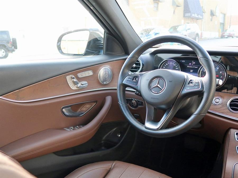 Used Mercedes-benz E-class E 300 2018 | Auto Expo Ent Inc.. Great Neck, New York