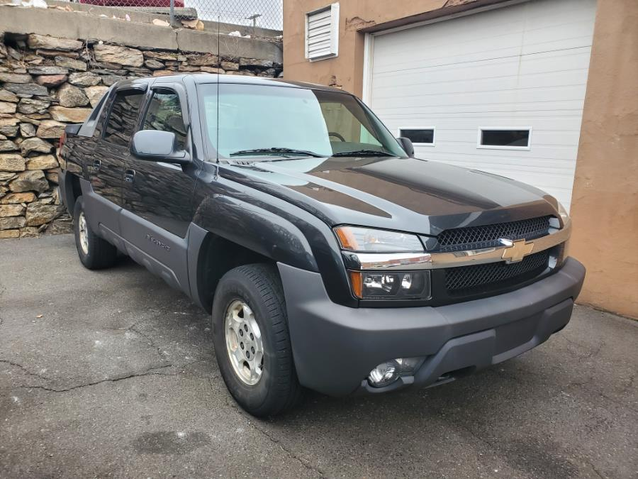 Used 2003 Chevrolet Avalanche in Shelton, Connecticut | Center Motorsports LLC. Shelton, Connecticut