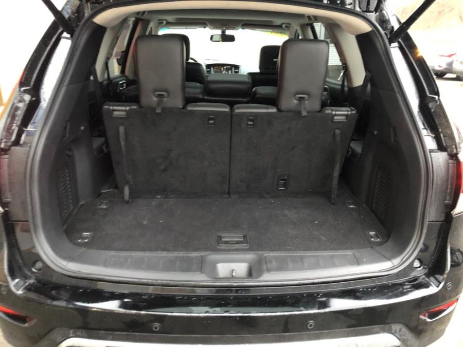 Used Nissan Pathfinder 4WD 4dr Platinum 2014 | Bristol Auto Center LLC. Bristol, Connecticut