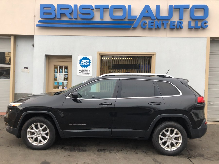 Used Jeep Cherokee 4WD 4dr Latitude 2015 | Bristol Auto Center LLC. Bristol, Connecticut