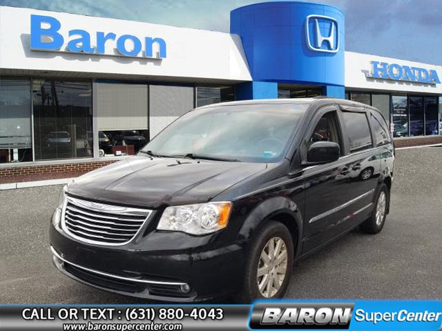 Used 2014 Chrysler Town & Country in Patchogue, New York | Baron Supercenter. Patchogue, New York