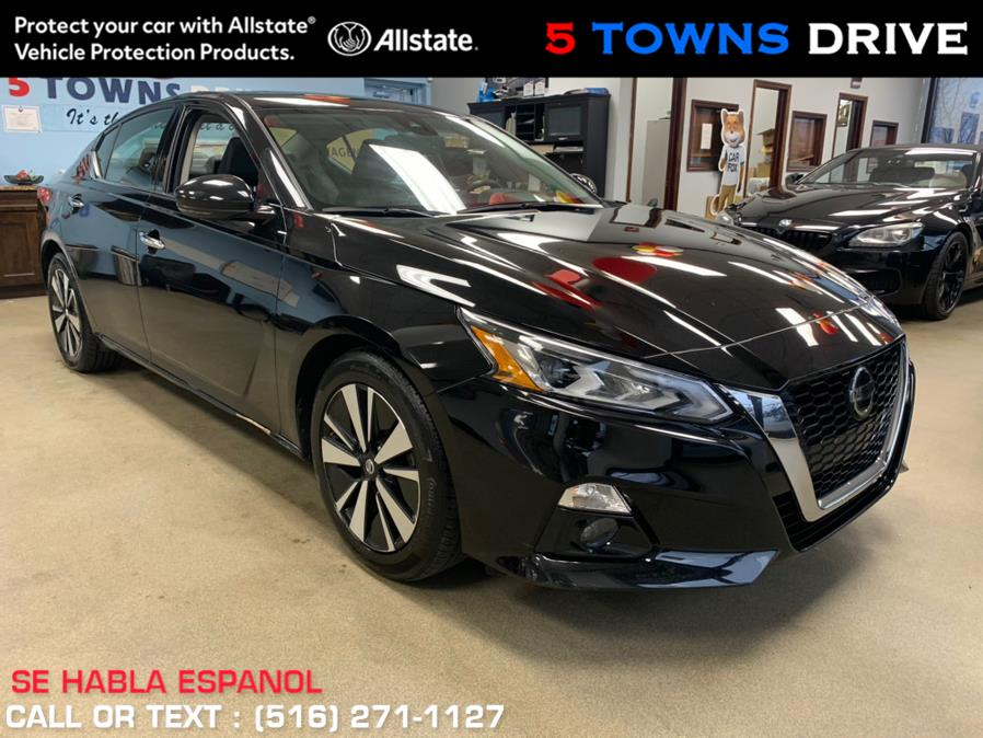 Used 2020 Nissan Altima SL in Inwood, New York | 5 Towns Drive. Inwood, New York