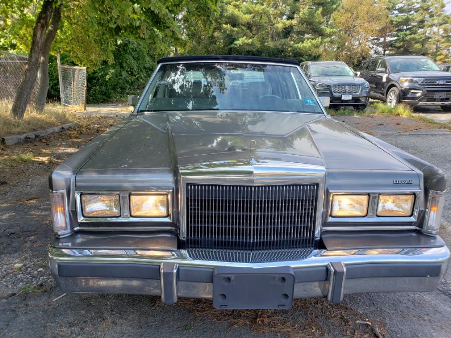 Used Lincoln Town Car 4dr Sedan Signature 1988 | Ultimate Auto Sales. Hicksville, New York