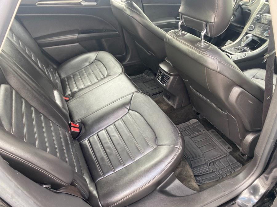 Used Ford Fusion 4dr Sdn SE FWD 2013 | Carmatch NY. Bayshore, New York