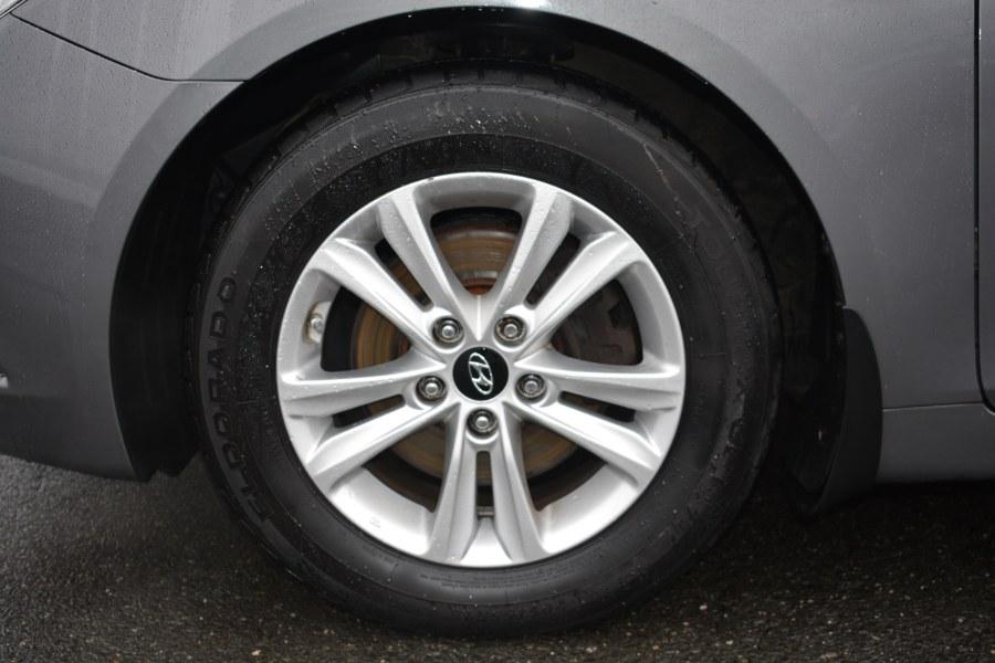 Used Hyundai Sonata 4dr Sdn 2.4L Auto GLS 2013 | Longmeadow Motor Cars. ENFIELD, Connecticut