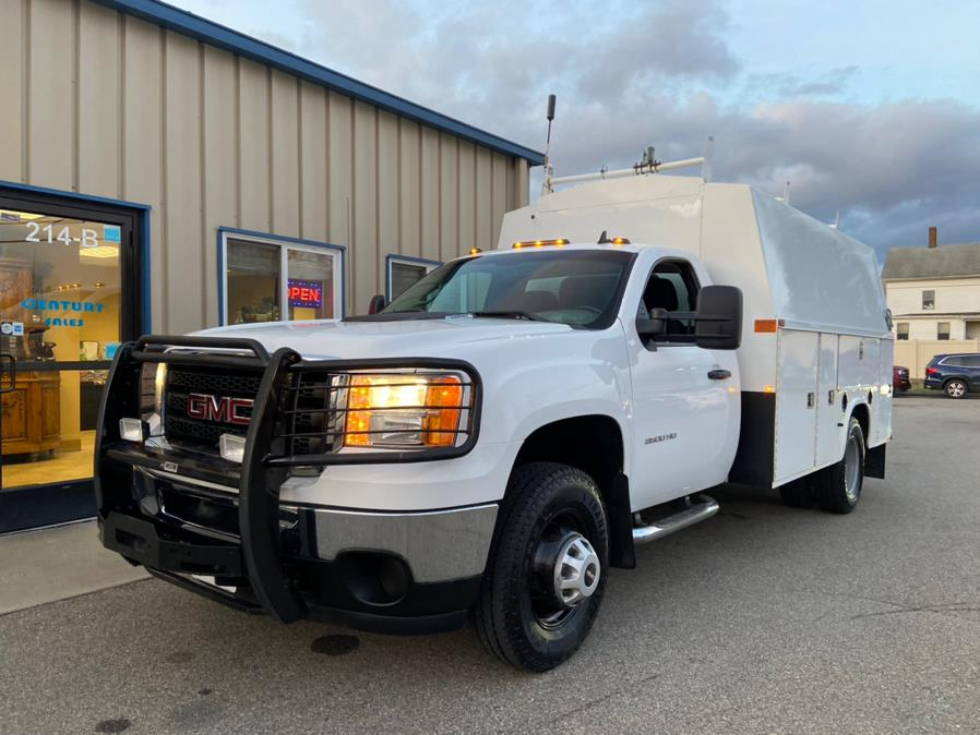 Used 2013 GMC Sierra 3500HD in East Windsor, Connecticut | Century Auto And Truck. East Windsor, Connecticut