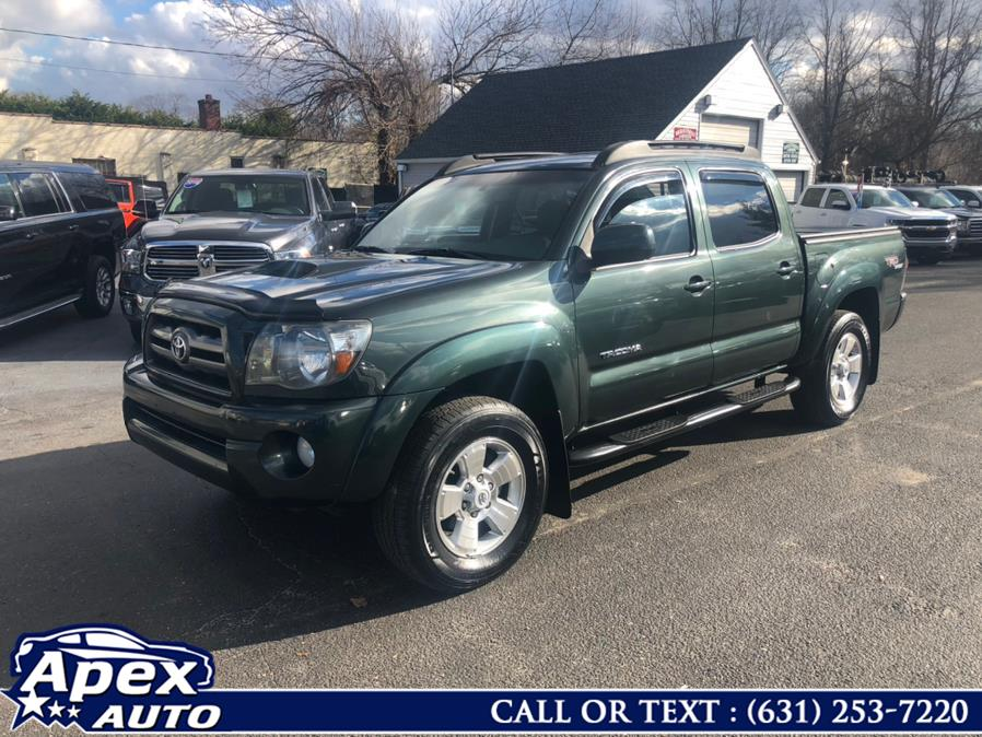 2010 Toyota Tacoma 4WD Double V6 AT (Natl), available for sale in Selden, NY