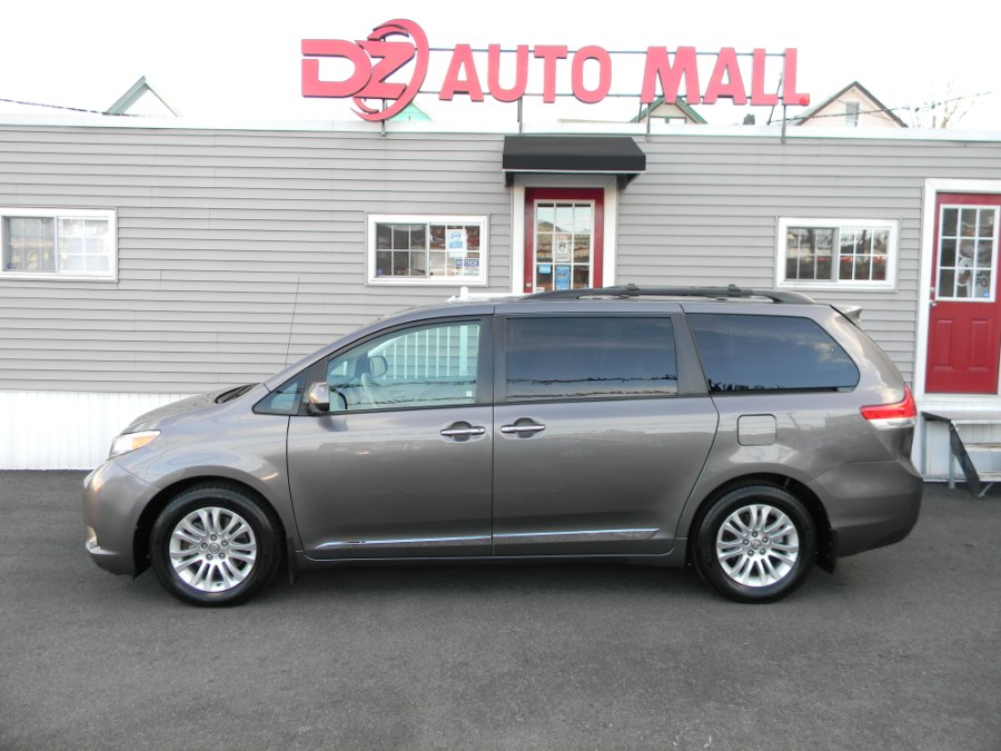 Used Toyota Sienna 5dr 8-Pass Van V6 XLE FWD (Natl) 2014 | DZ Automall. Paterson, New Jersey