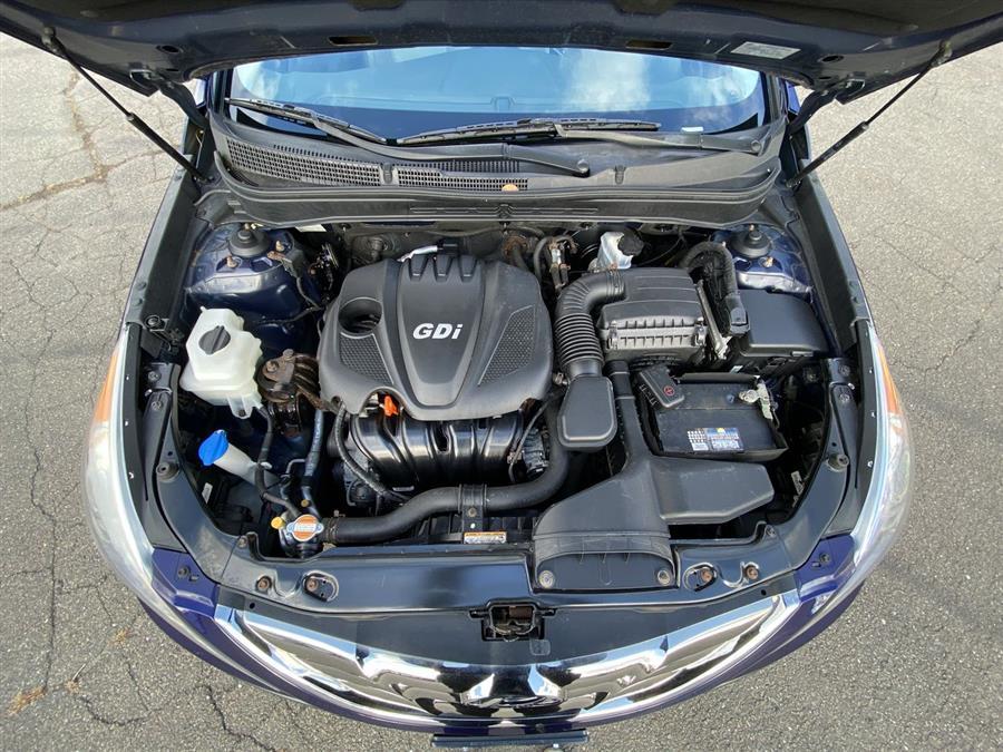 Used Hyundai Sonata 4dr Sdn 2.4L Auto Limited 2012 | Wiz Leasing Inc. Stratford, Connecticut