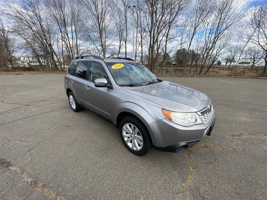 Used 2011 Subaru Forester in Stratford, Connecticut | Wiz Leasing Inc. Stratford, Connecticut