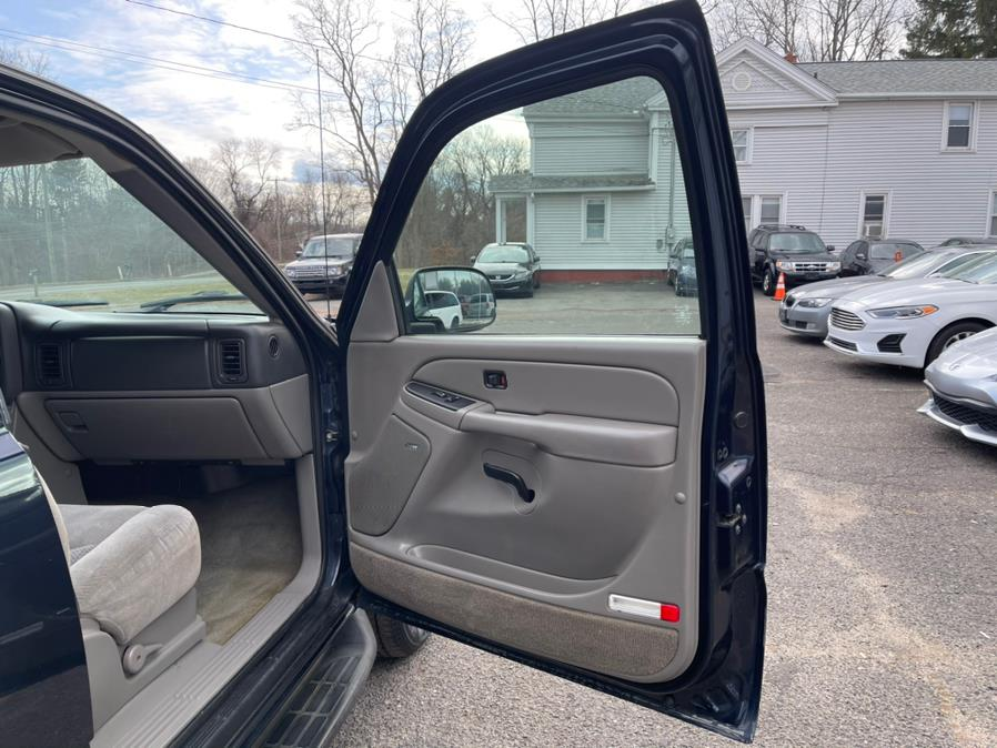 Used Chevrolet Tahoe 4dr 1500 4WD LT 2004   Toro Auto. East Windsor, Connecticut