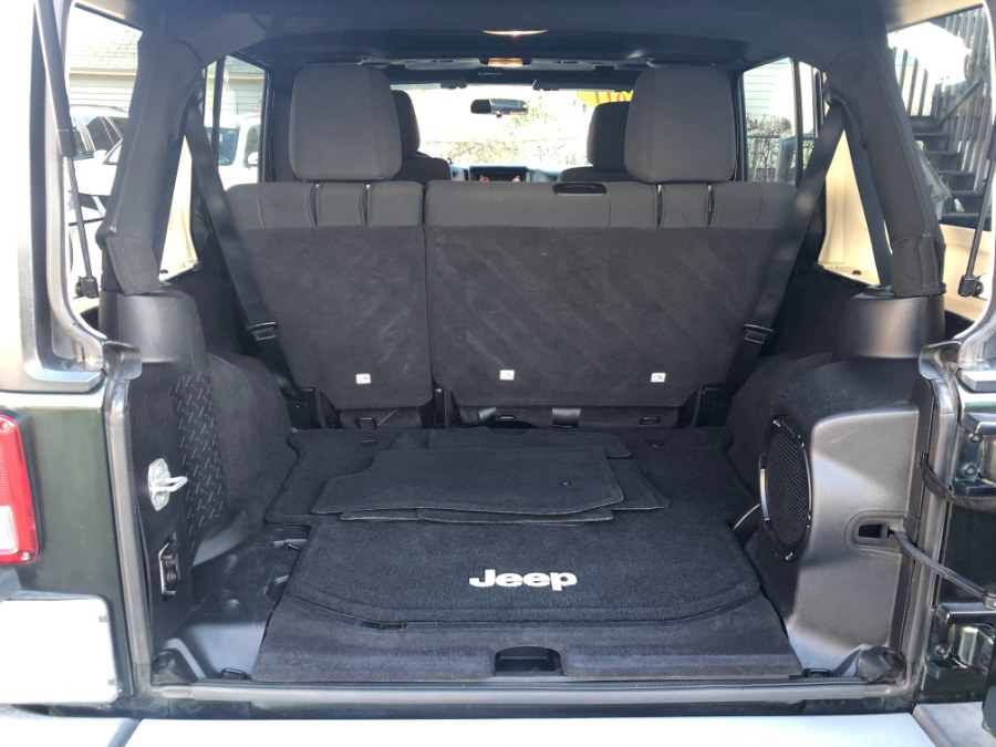 Used Jeep Wrangler Unlimited 4WD 4dr Sahara 2011 | Bristol Auto Center LLC. Bristol, Connecticut