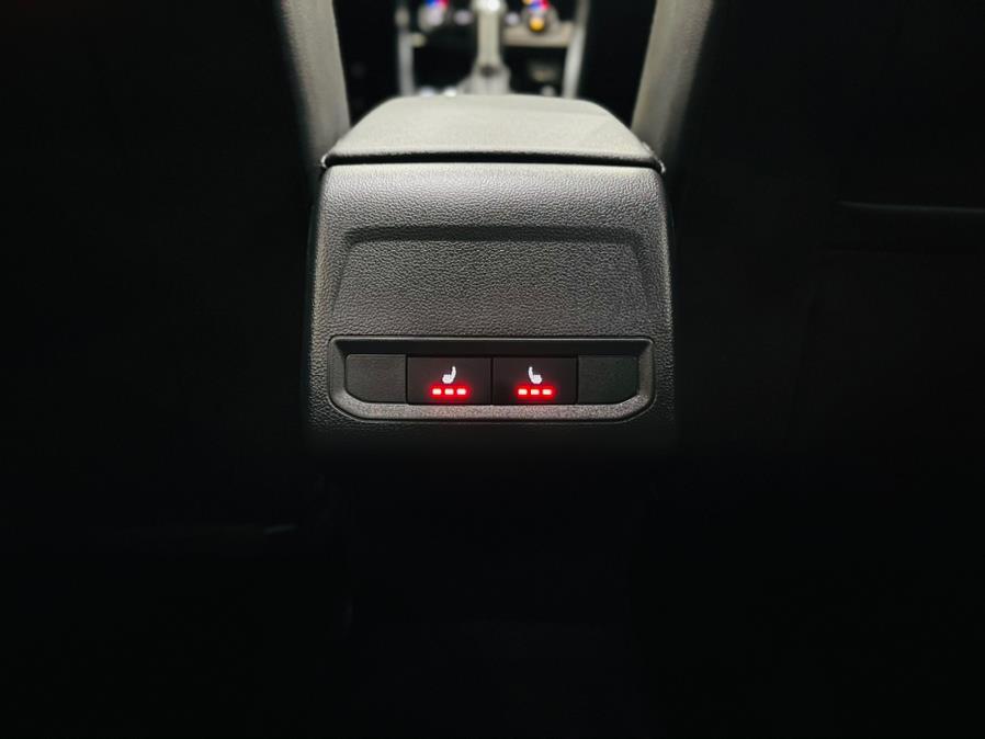 Used Volkswagen Jetta R-Line Auto w/SULEV 2019 | Luxury Motor Club. Franklin Square, New York