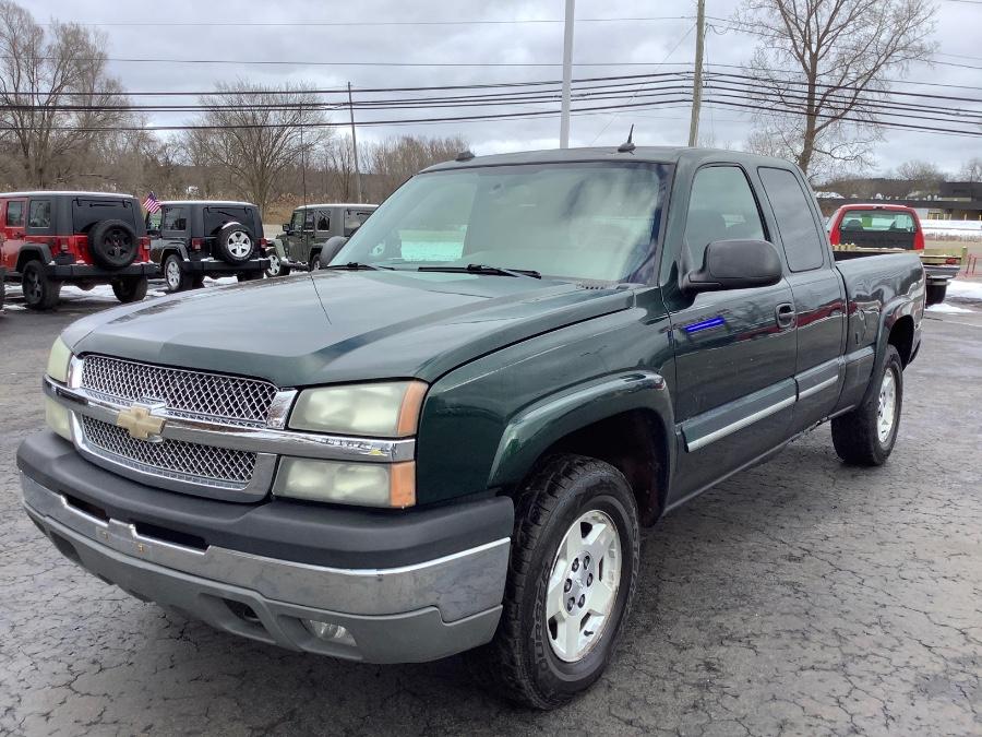 Used 2004 Chevrolet Silverado 1500 in Ortonville, Michigan | Marsh Auto Sales LLC. Ortonville, Michigan