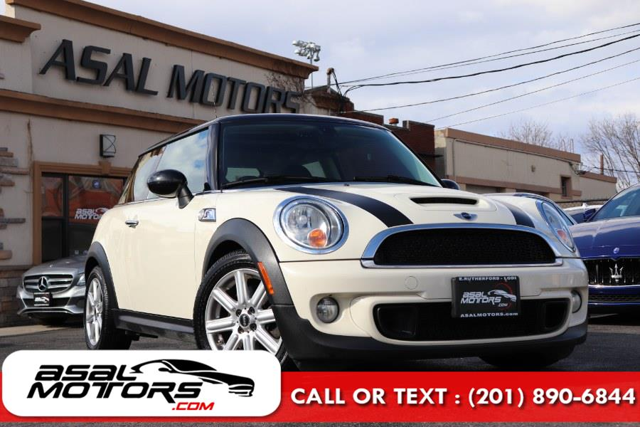Used 2013 MINI Cooper Hardtop in East Rutherford, New Jersey | Asal Motors. East Rutherford, New Jersey