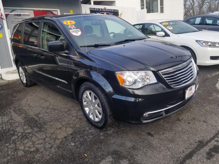 Used 2016 Chrysler Town & Country in Milford, Connecticut | Adonai Auto Sales LLC. Milford, Connecticut
