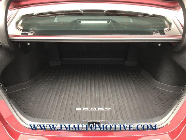 Used Toyota Camry XLE V6 Auto 2018 | J&M Automotive Sls&Svc LLC. Naugatuck, Connecticut