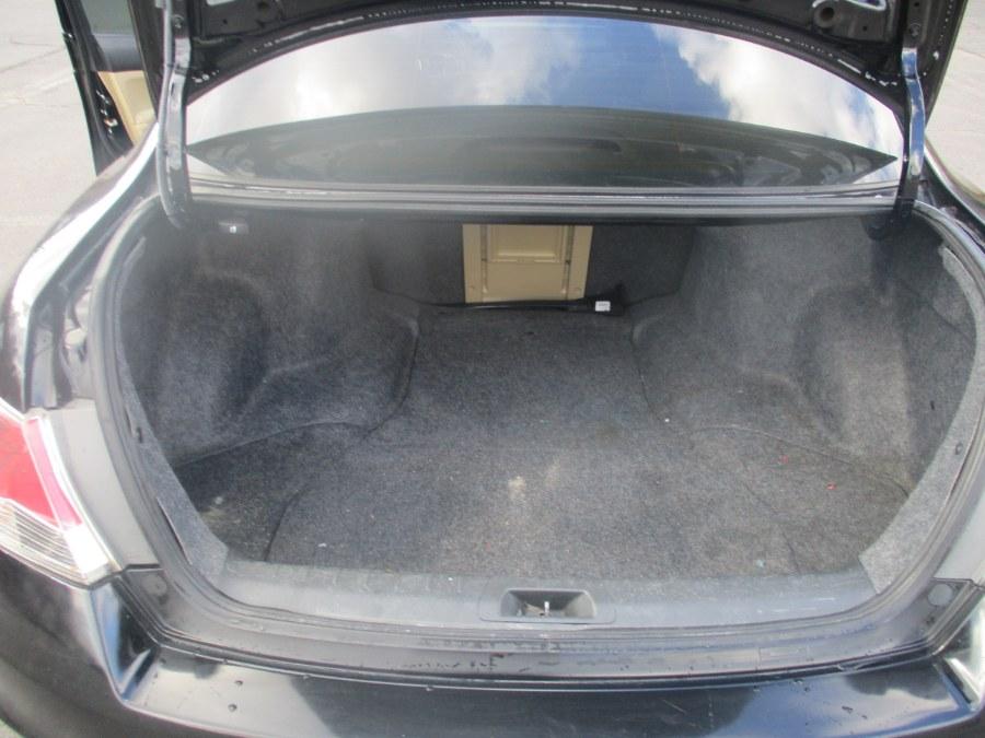 Used Honda Accord Sdn 4dr I4 Auto SE 2012   Universal Motors LLC. New Britain, Connecticut