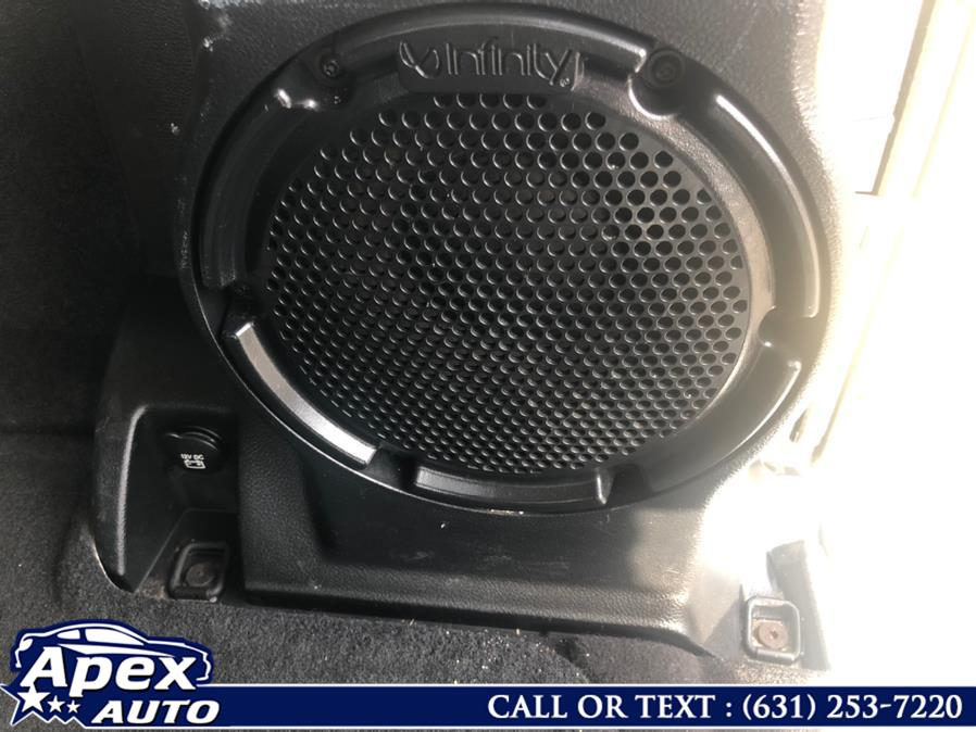 Used Jeep Wrangler Unlimited 4WD 4dr Sahara 2011 | Apex Auto. Selden, New York