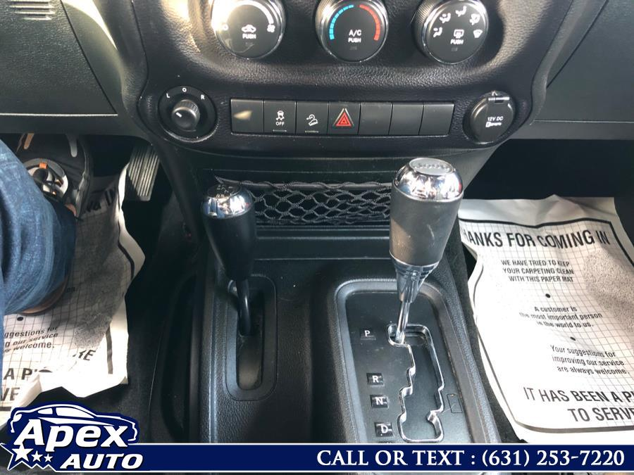 Used Jeep Wrangler Unlimited 4WD 4dr Sport 2015 | Apex Auto. Selden, New York